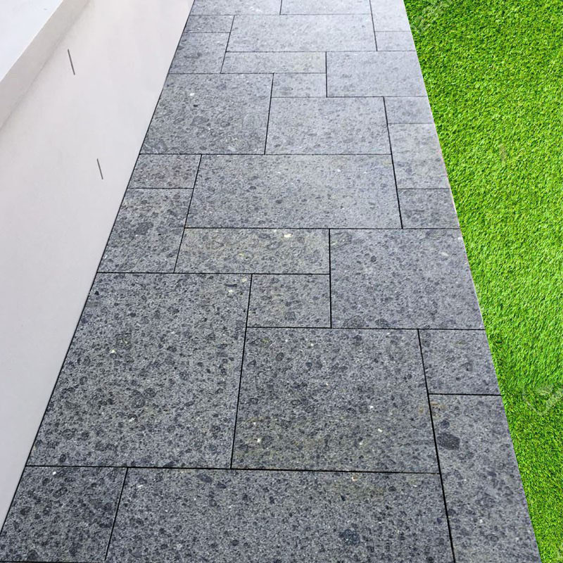 Diamond Black Flamed Granite Paver