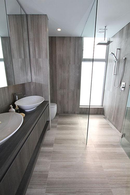 Serpeggiante Limestone Tile - Bathroom
