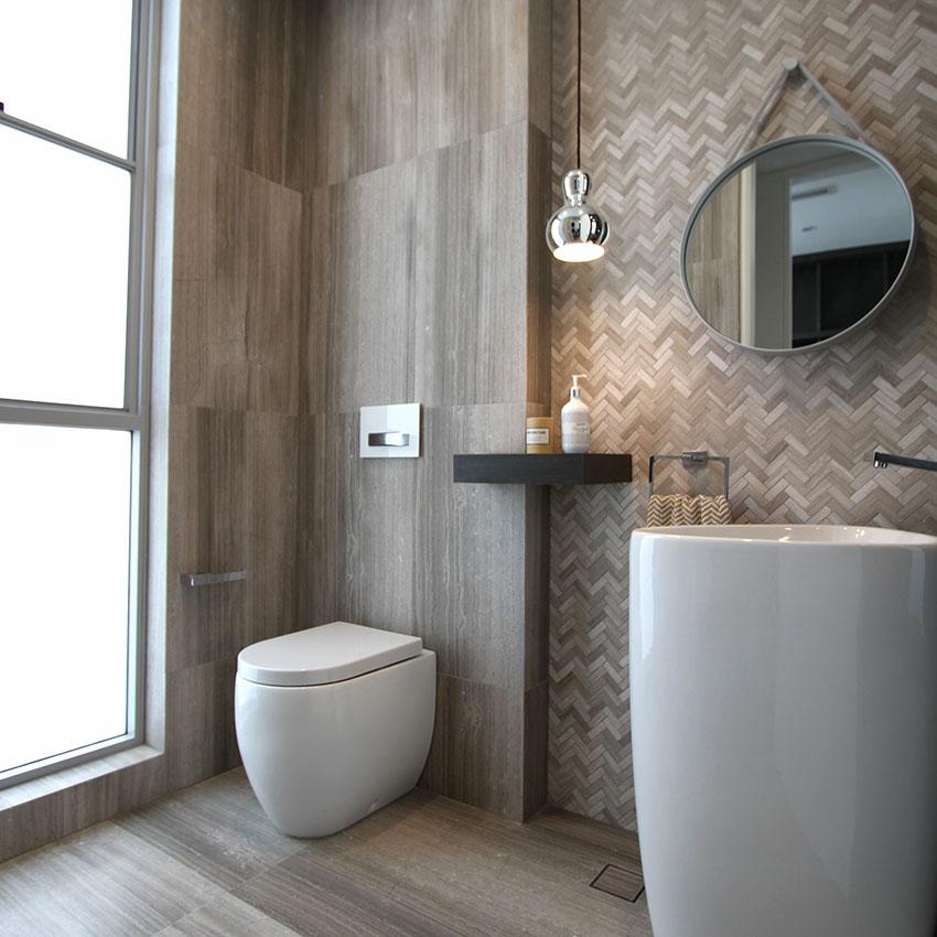 Serpeggiante Herringbone Mosaic Limestone Tile
